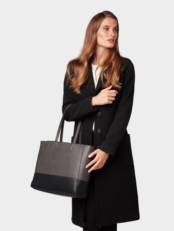 Shopper 'Lorina'