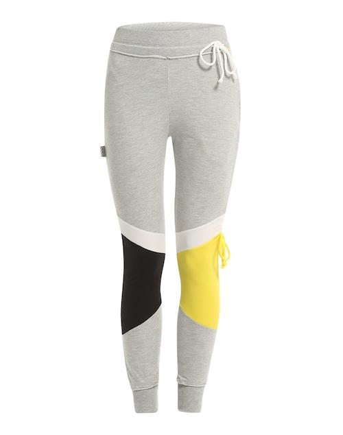 Die coole Jogginghose ´Sun´ von Boom Bap setzt ganz auf ein klassisches sportliches Erscheinungsbild. Ihr Retro-Look mit farbig abgesetzten Partien am Bein im Verbund mit der weichen Haptik des Materials machen aus dem Kleidungsstück den