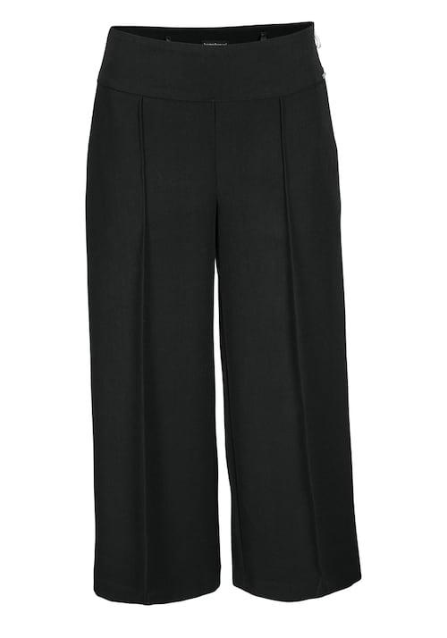 Unifarbene, elastische Culotte mit breitem Bund, Gürtellaschen und seitlichen Eingrifftaschen. Der Reißverschluss befindet sich an der linken Seite und Logodetails aus Metall am Bund. Das Bein schließt mit einem Umschlagsaum.
