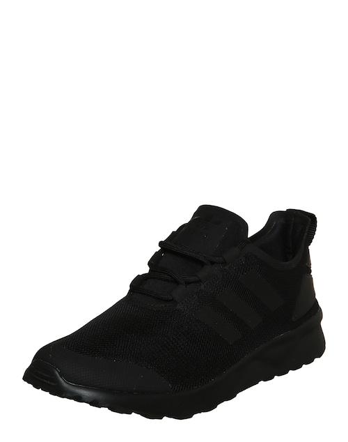 Der Sneaker ´Flux Verve´ der Marke Adidas Originals besticht mit Netzstoff, welcher einen individuellen Look verleiht! Dieser wird von dezenten Streifen und geometrischen Applikationen in Szene gesetzt! Ein stylischer Schuh, den man bequem den ganzen Tag