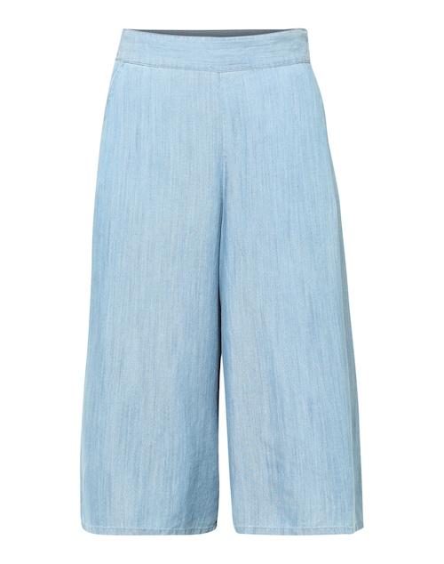 SAINT TROPEZ bringt den Sommer zu uns und mit ihm das wohl angesagteste Key-Piece überhaupt! Die Culotte beweist auch im Denim-Look unschlagbare Qualitäten und lässt sich trendstark mit Basicshirt und Plateau-Heels kombinieren. Get dressed