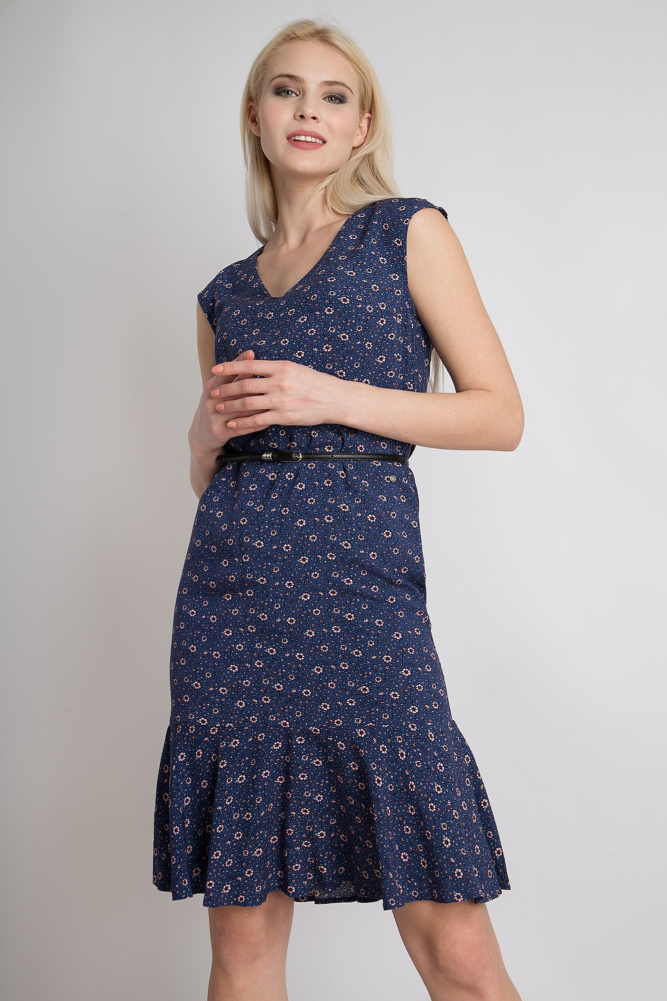 Sommerkleid mit bezauberndem Blumenprint   Bekleidung > Kleider > Sommerkleider   Blau   Finn Flare