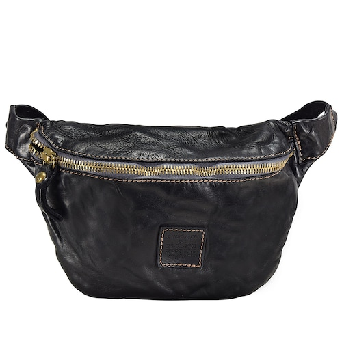 Campomaggi Black Gürteltasche 26 cm aus weichem Rindsleder im Used Look Durch das strapazierfähige Leder sind die Taschen deutlich belastbarer und halten eine halbe Ewigkeit. Der Prozess zur Herstellung ist von Campomaggi eigens entworfen und