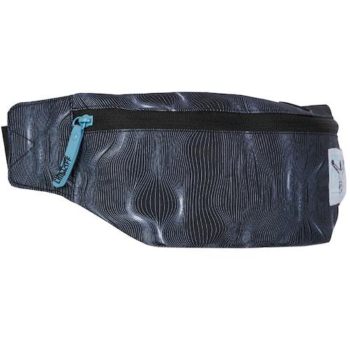 Chiemsee Sport Waistbag Gürteltasche. Achtung - je nach Stoff können die Muster auf den Taschen von den Bildern abweichen, das Musterprinzip bleibt gleich.