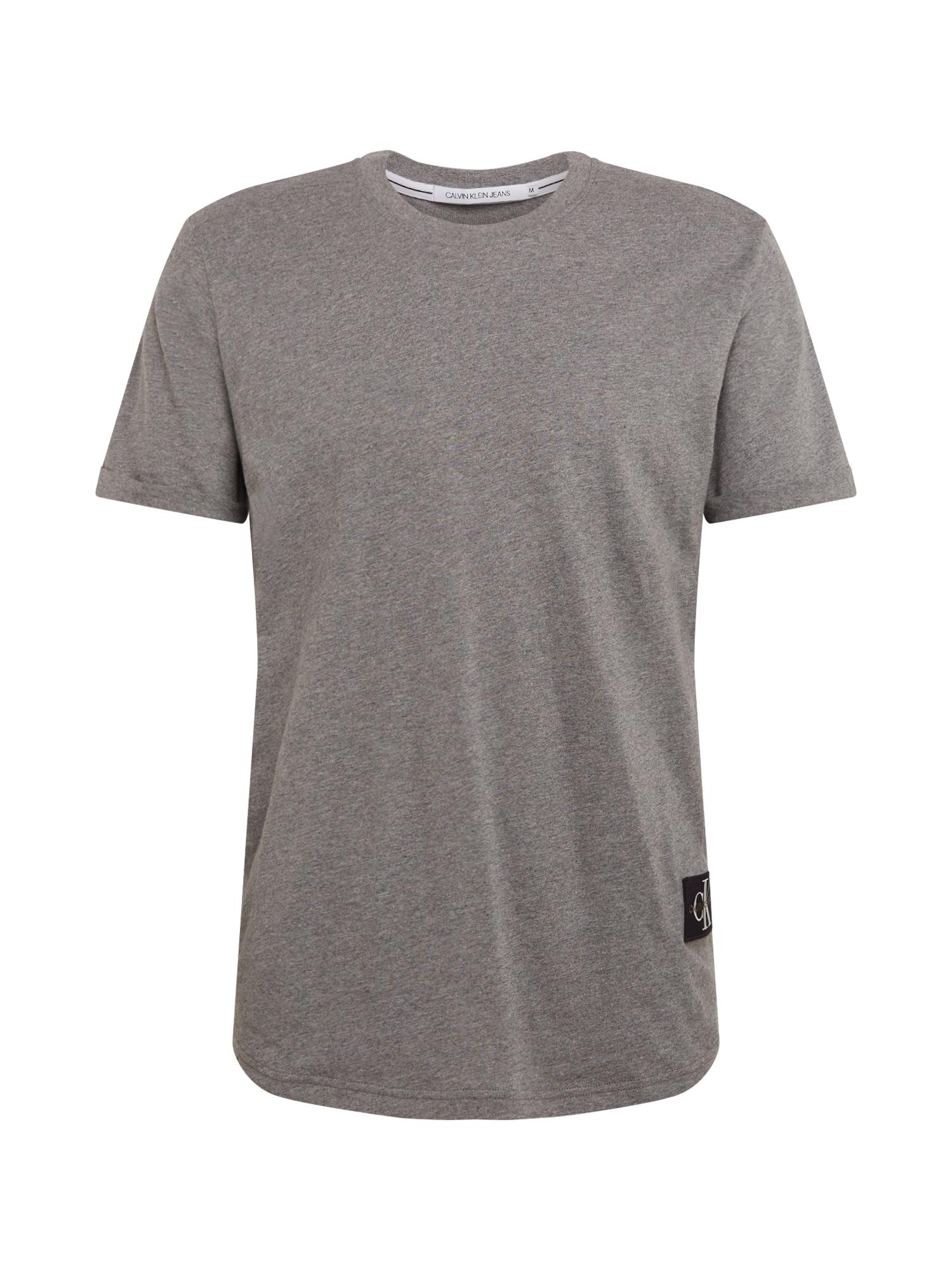 Calvin Klein Jeans Tričko 'BADGE'  šedý melír
