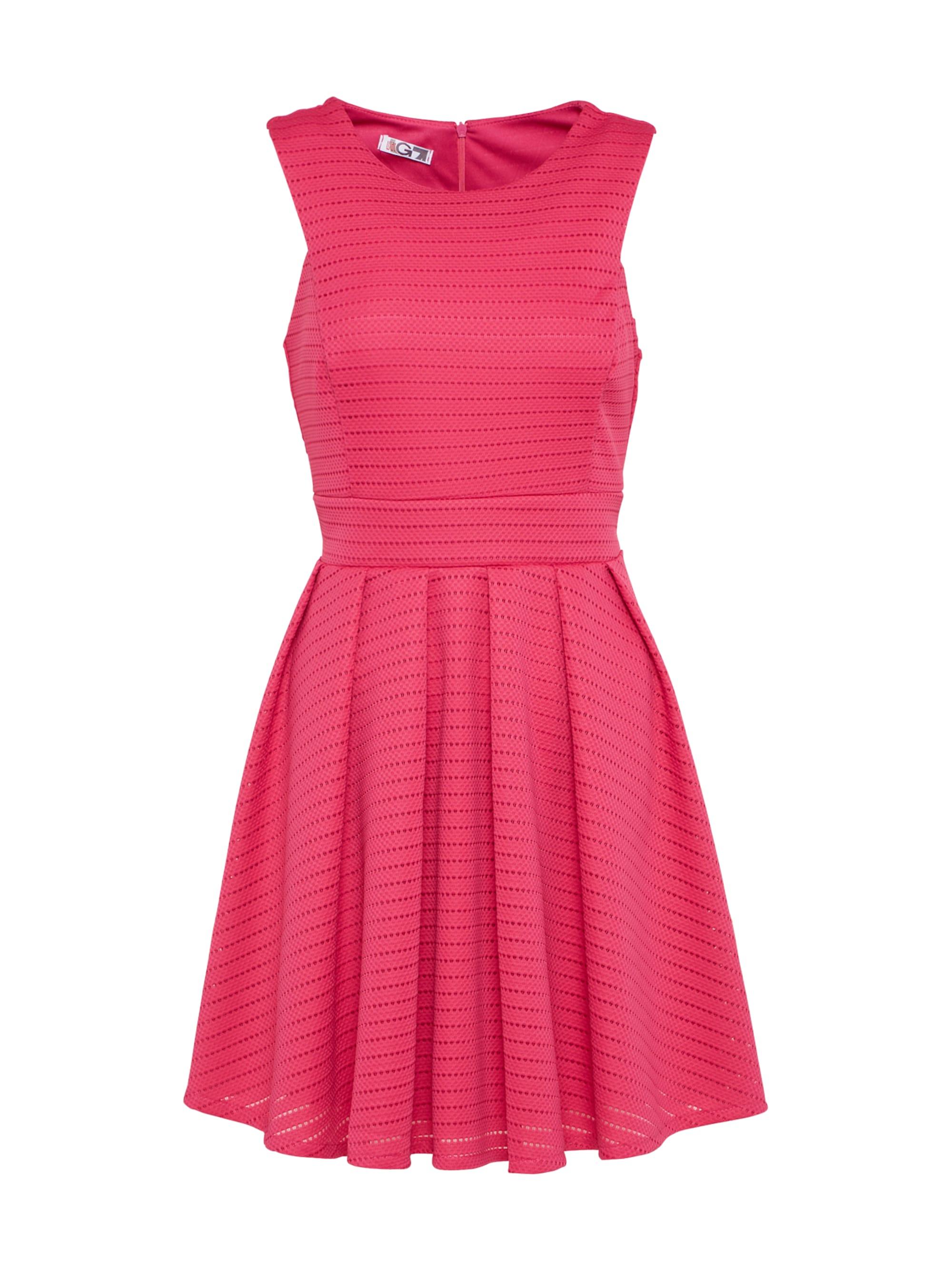 Image of Ausgestelltes Kleid mit Lochmuster