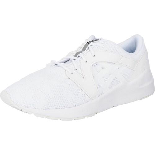 Die ASICS Tiger Gel-Lyte Komachi Sneakers überzeugen durch ihr geringes Gewicht. Die vorne hochgezogene, flexible Profil-Laufsohle dämpft und wirkt rutschhemmend.