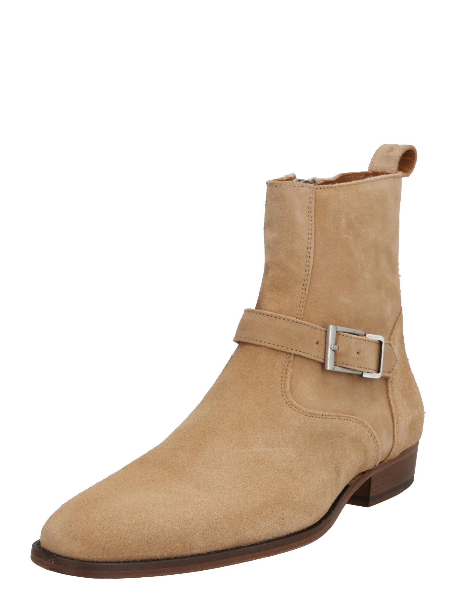 tigha Auliniai batai