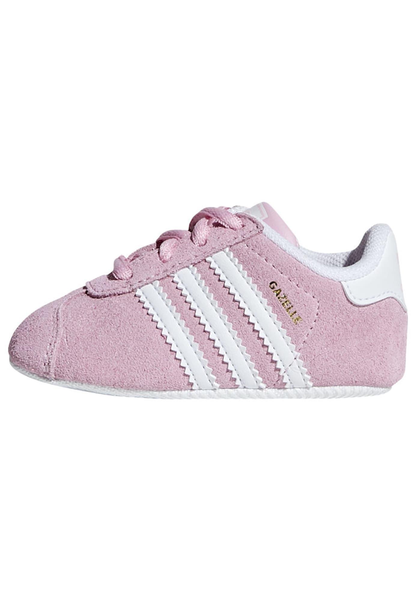 ADIDAS ORIGINALS Pirmieji vaiko vaikščiojimo bateliai 'Cazelle Crib' balta / rožių spalva