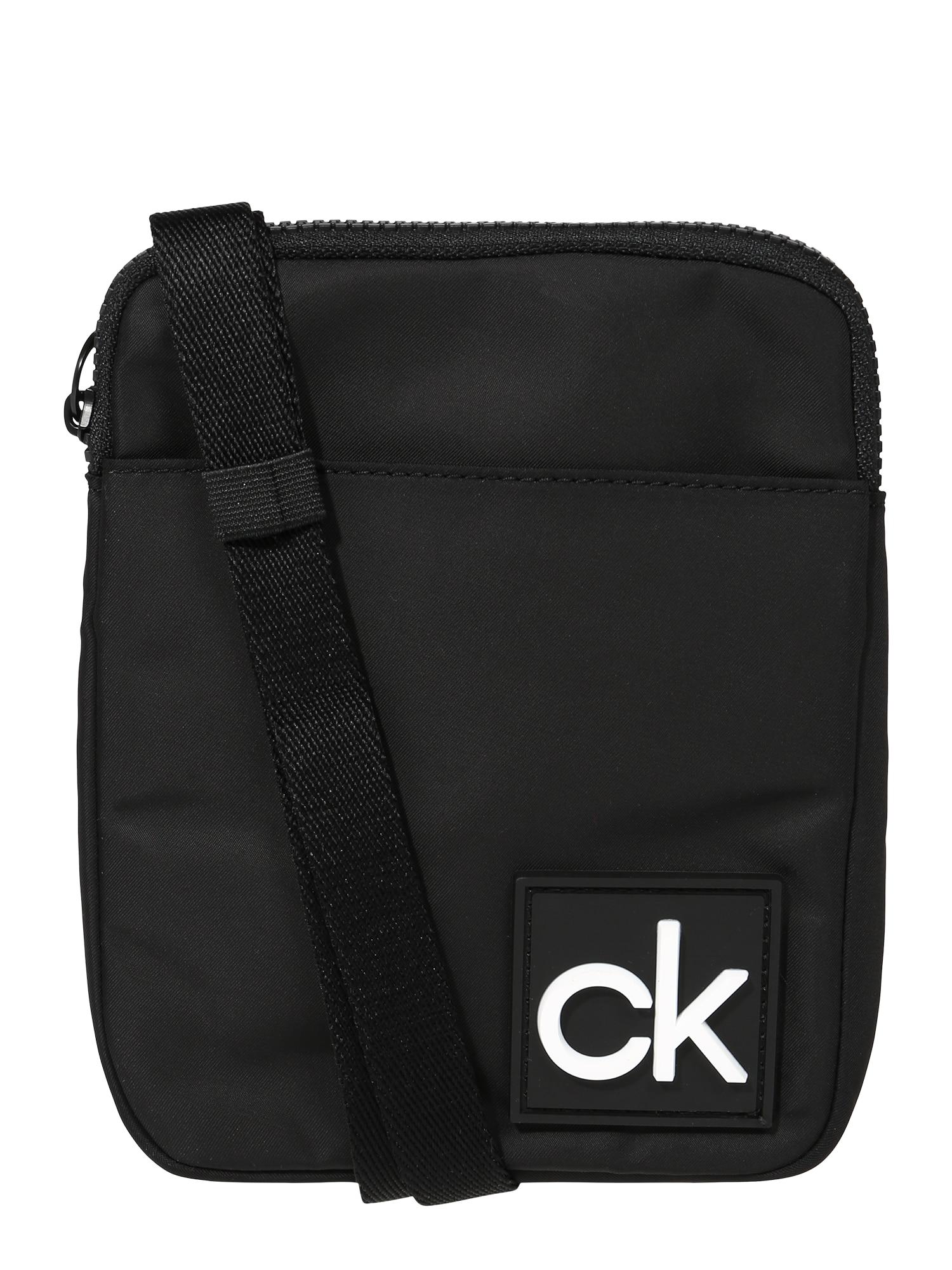 Calvin Klein Rankinė su ilgu dirželiu juoda / balta