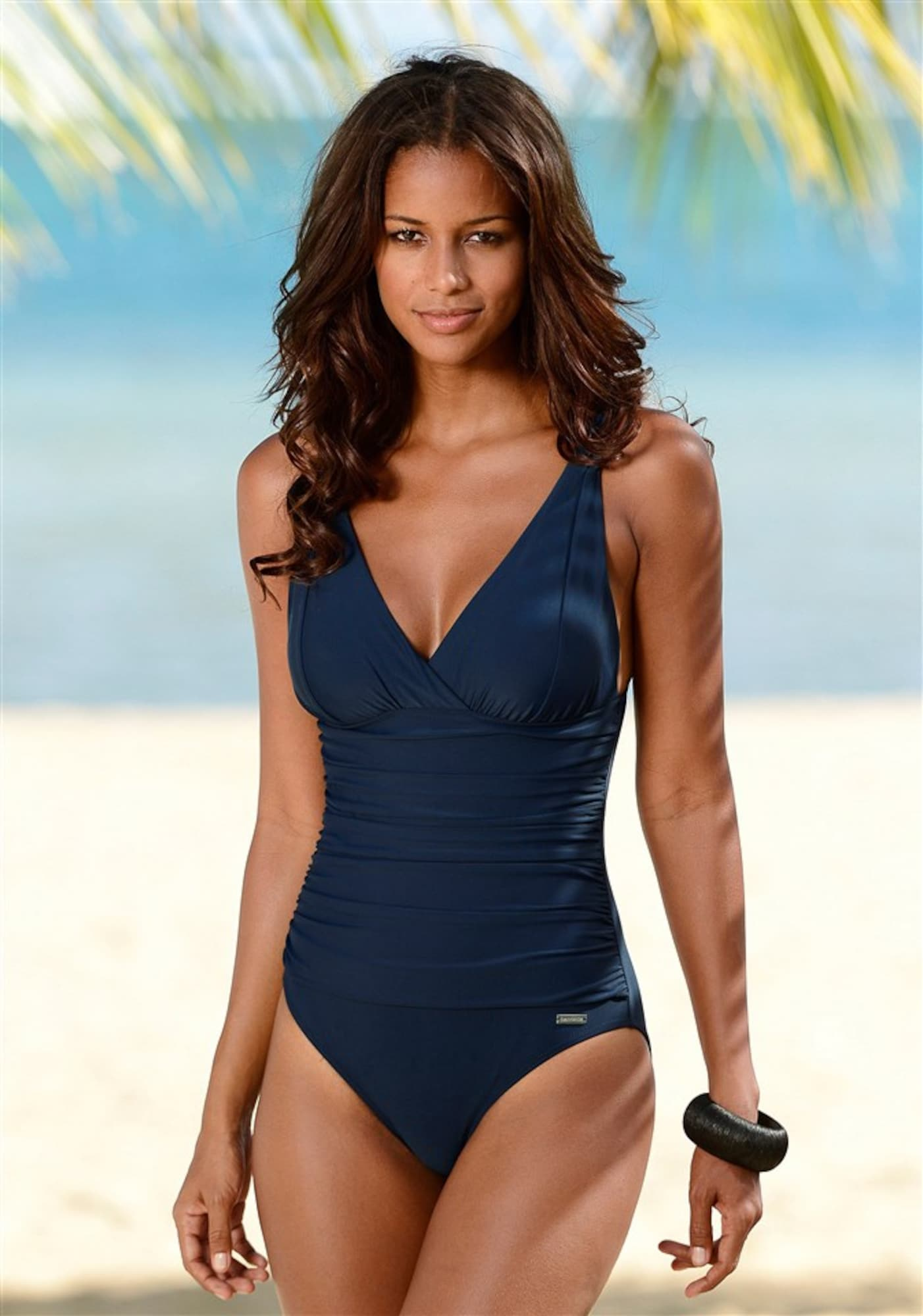 low priced eb47a 433db LASCANA Badeanzug: Eine tolle Figur machen und gut aussehen ...