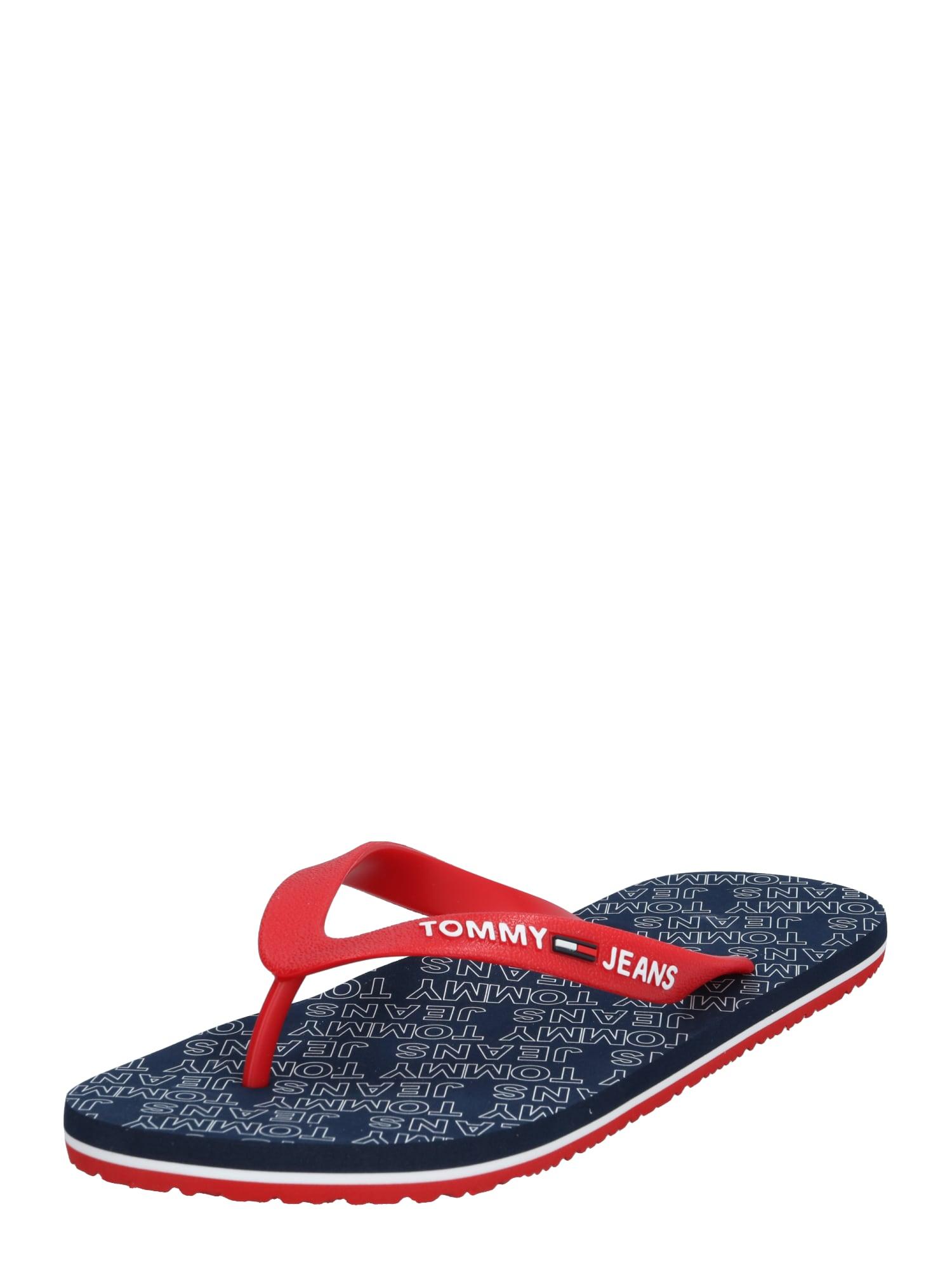 Tommy Jeans Šlepetės per pirštą 'REPEAT PRINT BEACH SANDAL' raudona / tamsiai mėlyna