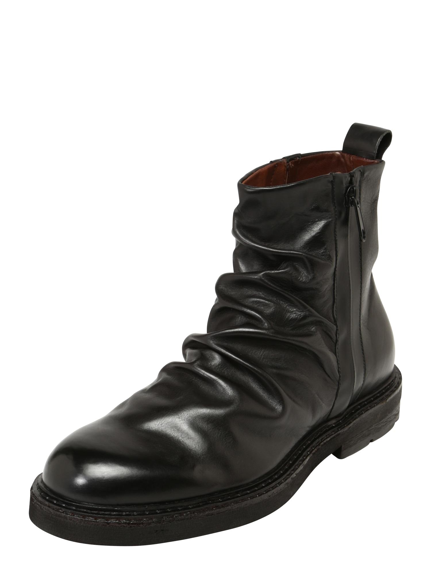 A.S.98 Sniego batai juoda