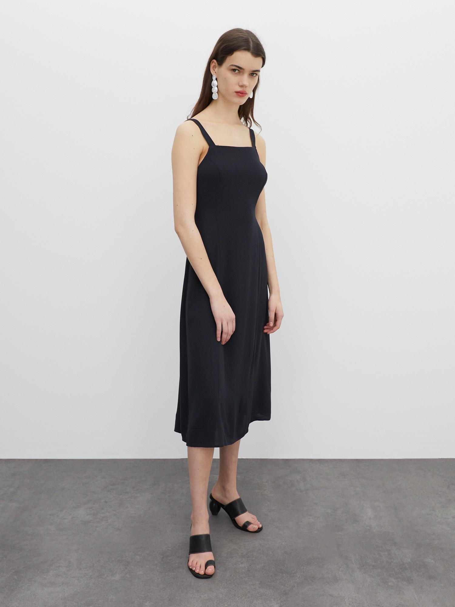 EDITED Šaty 'Zane'  čierna.