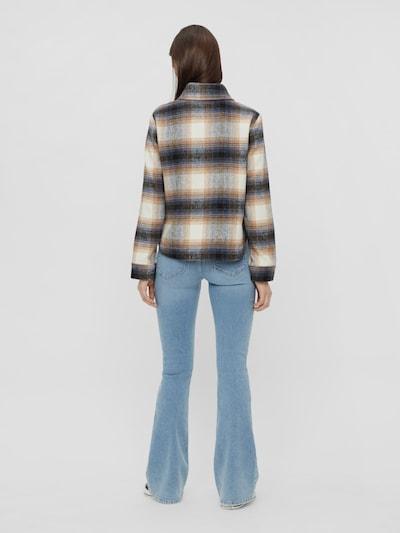 Pieces Peggy Jeans mit Schlag und mittelhohem Bund