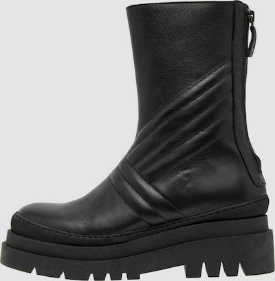 - Runde Schuhspitze - Reißverschluss hinten - Gestreifte Details - Obermaterial aus Leder - Chunky-Sohle