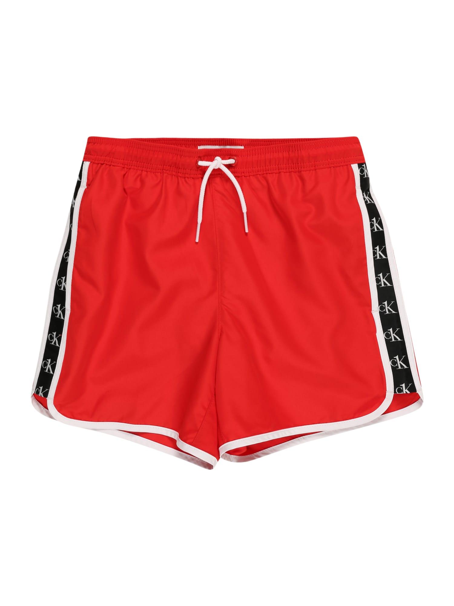 Calvin Klein Swimwear Maudymosi trumpikės kraujo spalva