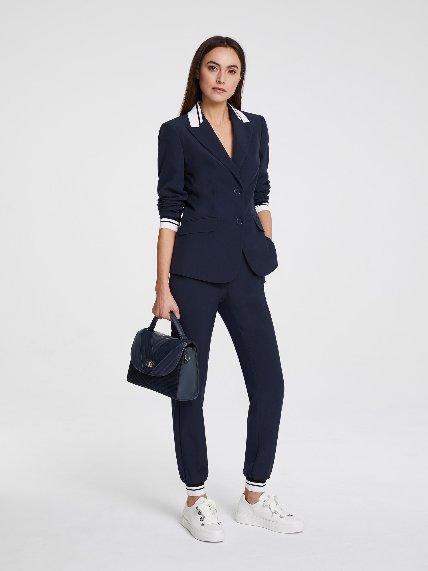 heine Moteriškas kostiumėlis su kelnėmis tamsiai mėlyna jūros spalva / balta