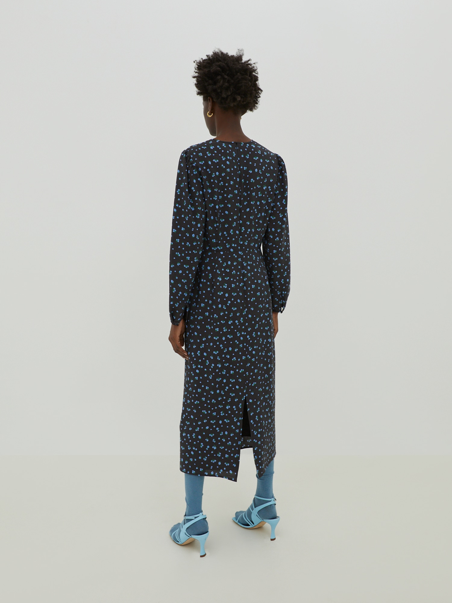 EDITED Šaty 'Nora'  čierna / modrá.