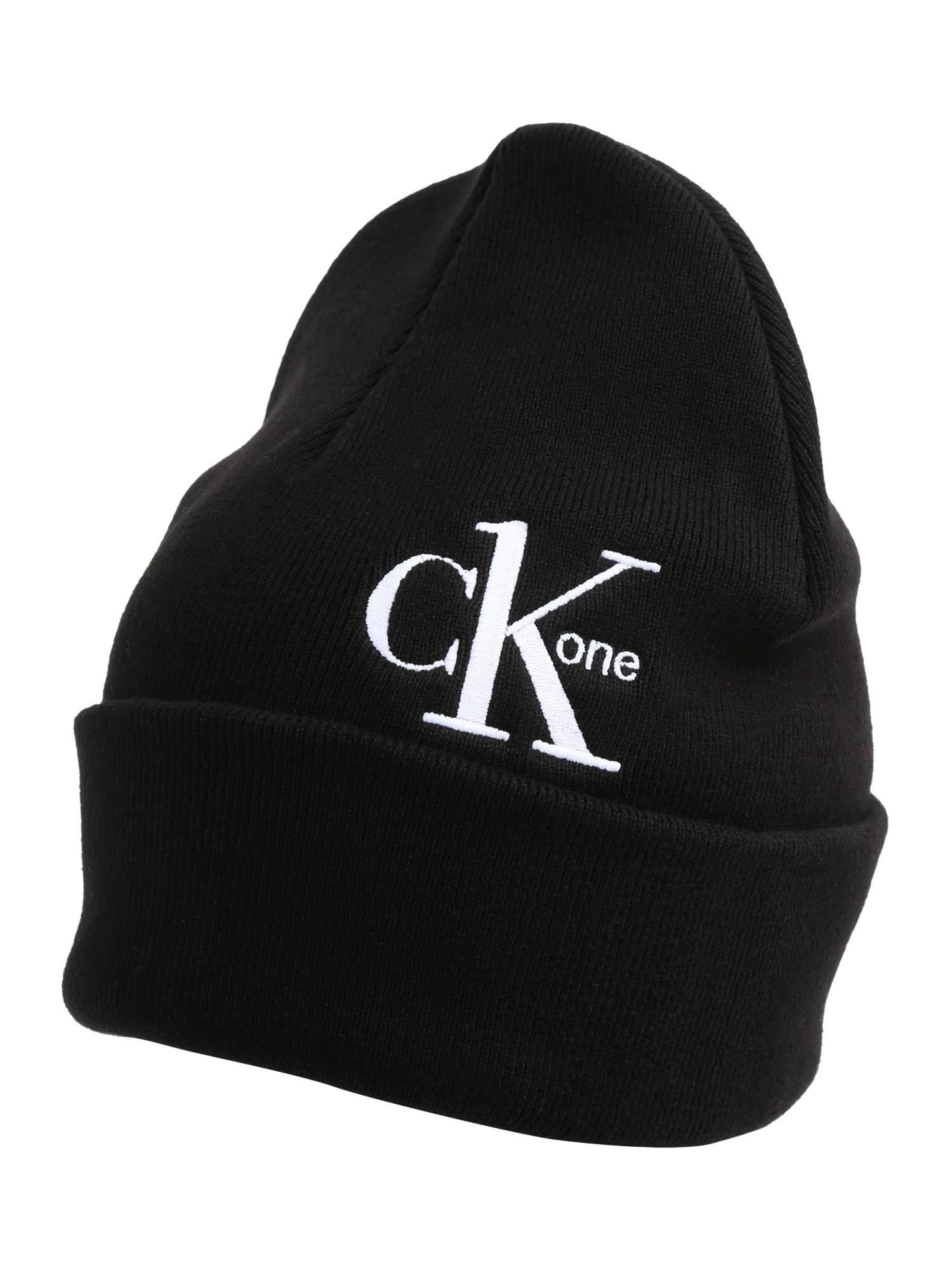 Calvin Klein Megzta kepurė juoda / balta