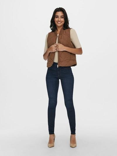 - Steppweste von JACQUELINE de YONG - Einfarbig - Hoher Kragen - Frontreißverschluss - 2 Fronttaschen - Gerippte Säume - Länge: 54 cm in Größe S - Das Model trägt Größe S
