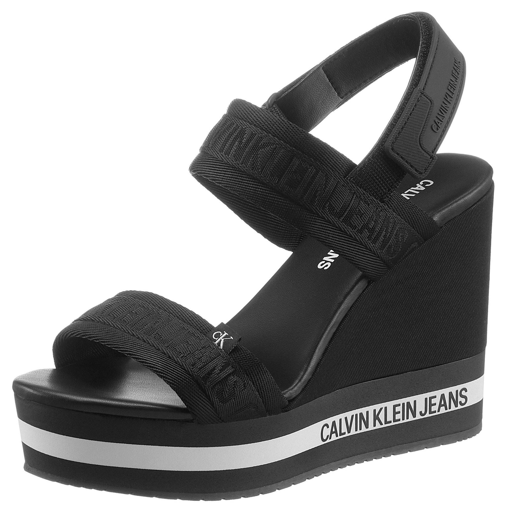 Calvin Klein Basutės su dirželiais juoda / balta