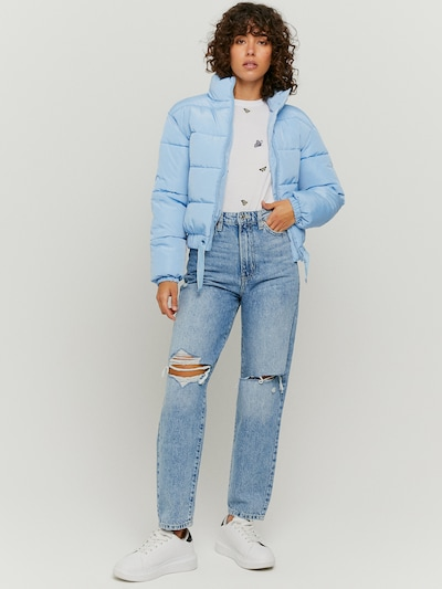 High Waist Mom Loose Jeans mit zerrissenen Knien, die jedes deiner Outfits cool machen werden. Dieser heutige Trend ist der perfekte Weg, um deinem Look einen Hauch von Schärfe zu verleihen. Hergestellt aus 100% Baumwolle.