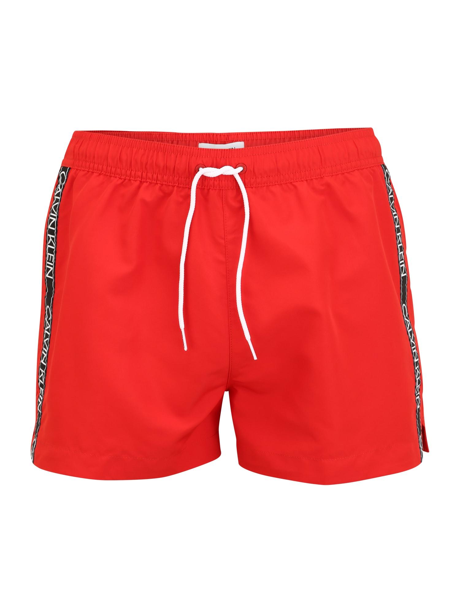 Calvin Klein Swimwear Maudymosi trumpikės šviesiai raudona / juoda / balta