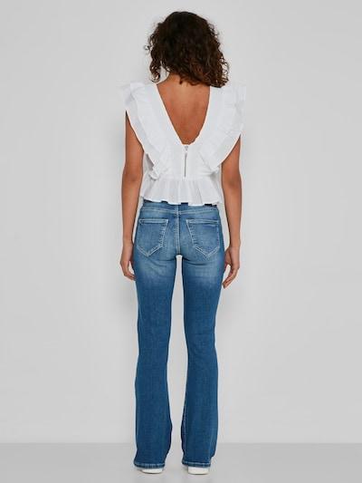 Mit Bootcut-Design und ausgewaschenen Partien setzt die Noisy May Jeans Marli voll auf den angesagten Retro-Trend.