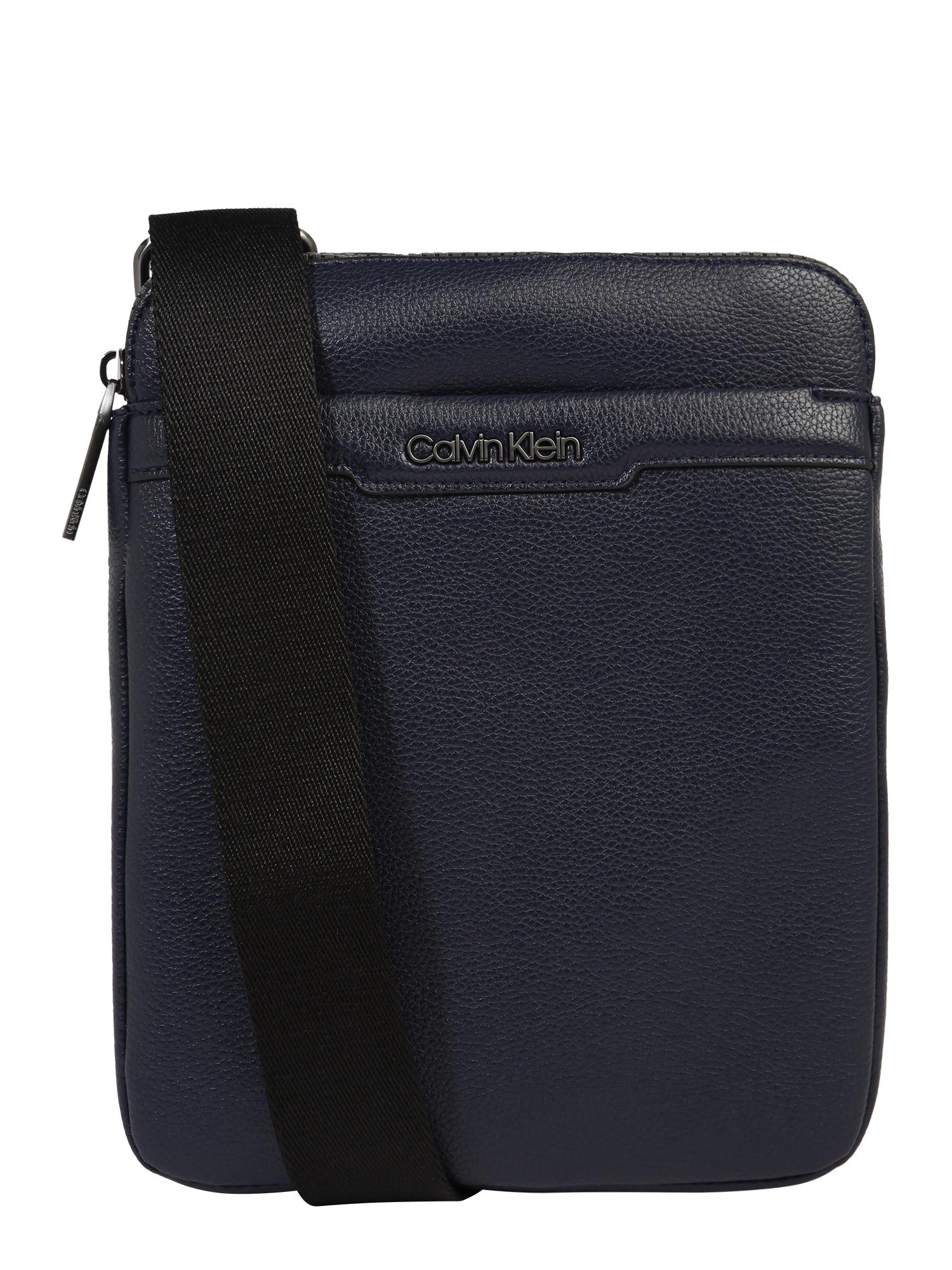 Calvin Klein Rankinė su ilgu dirželiu tamsiai mėlyna