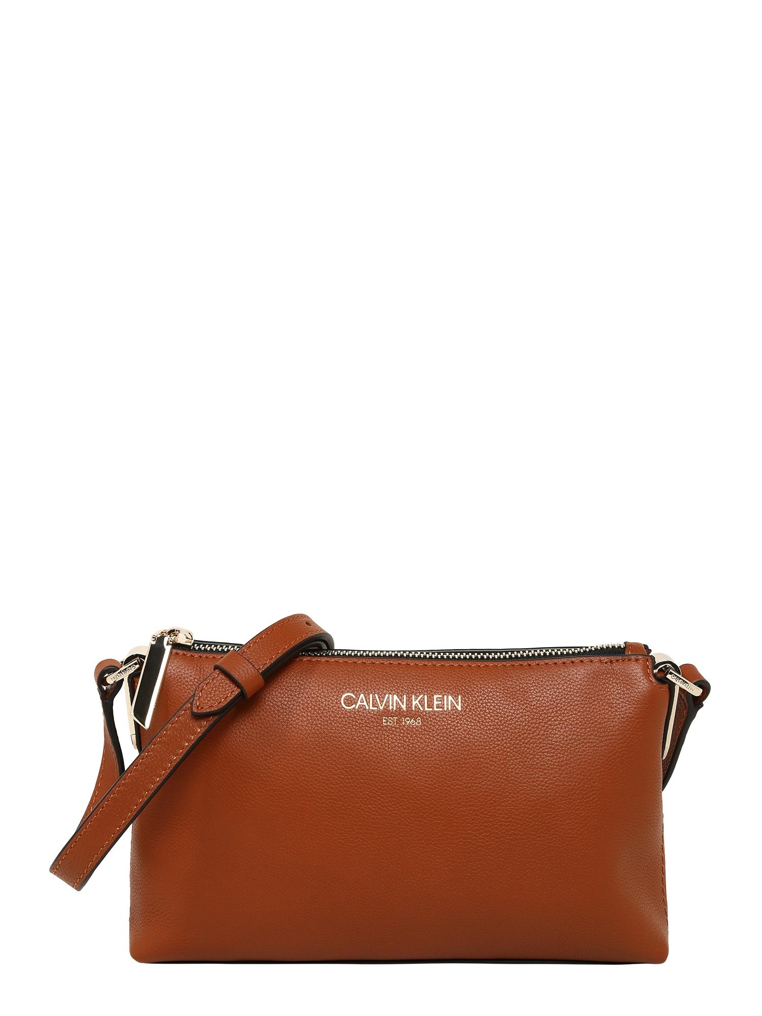 Calvin Klein Rankinė su ilgu dirželiu ruda (konjako)