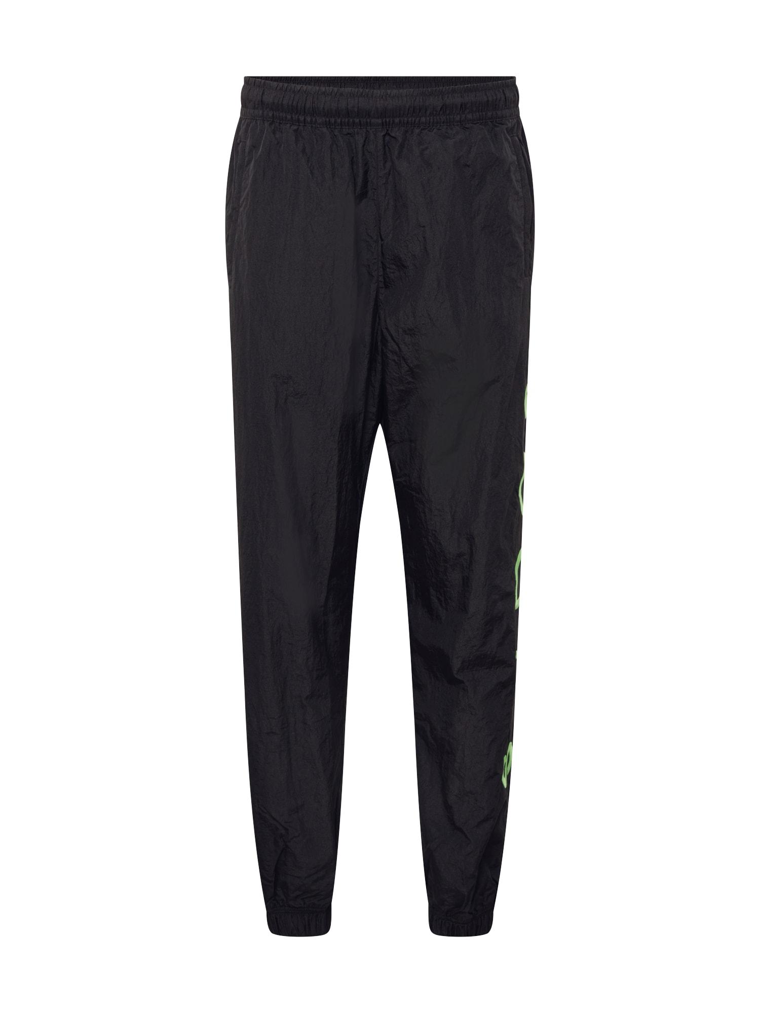 Nike Sportswear Kalhoty  zelená / černá