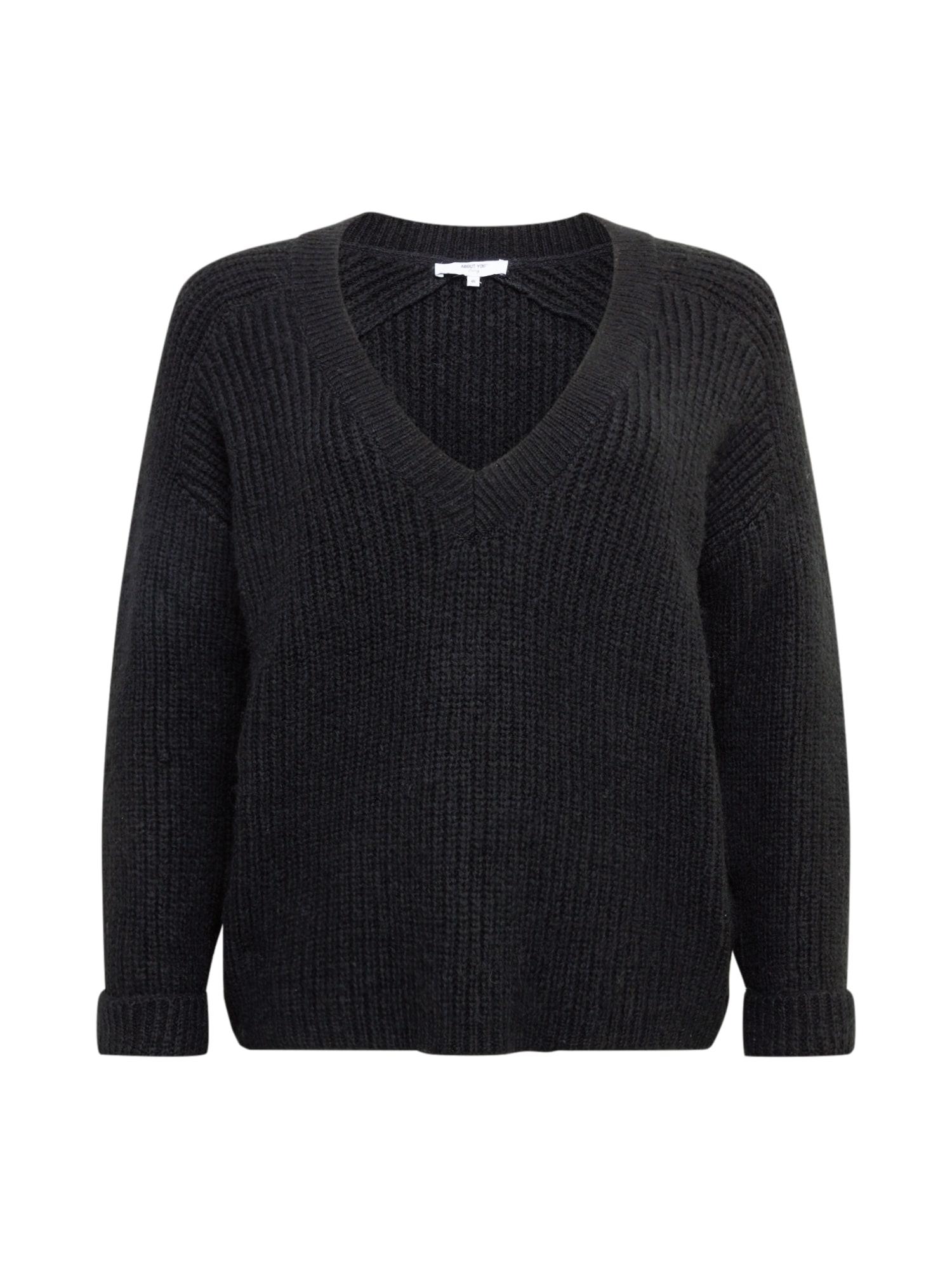 ABOUT YOU Curvy Megztinis 'Valeska' juoda