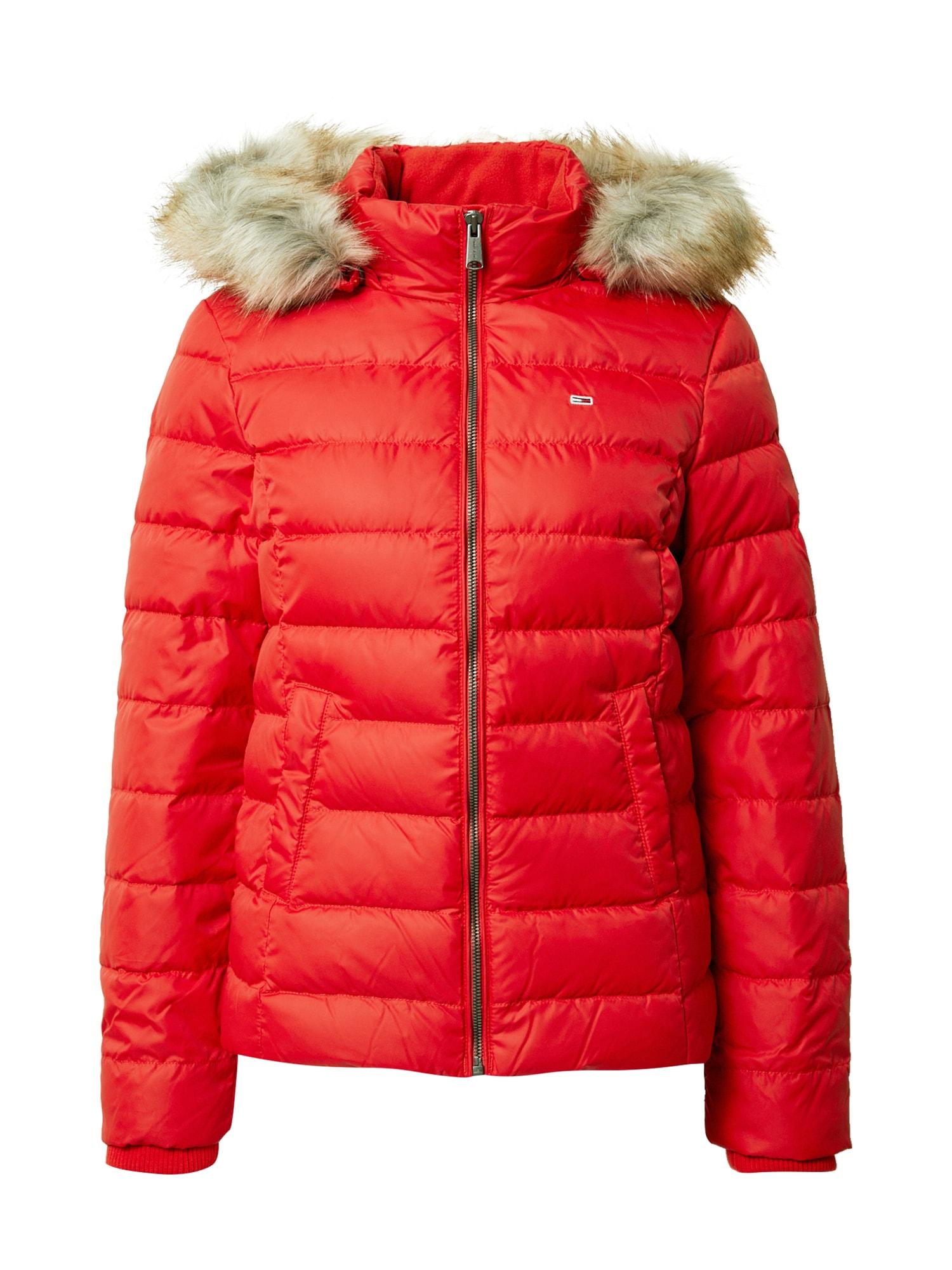 Tommy Jeans Žieminė striukė ryškiai raudona