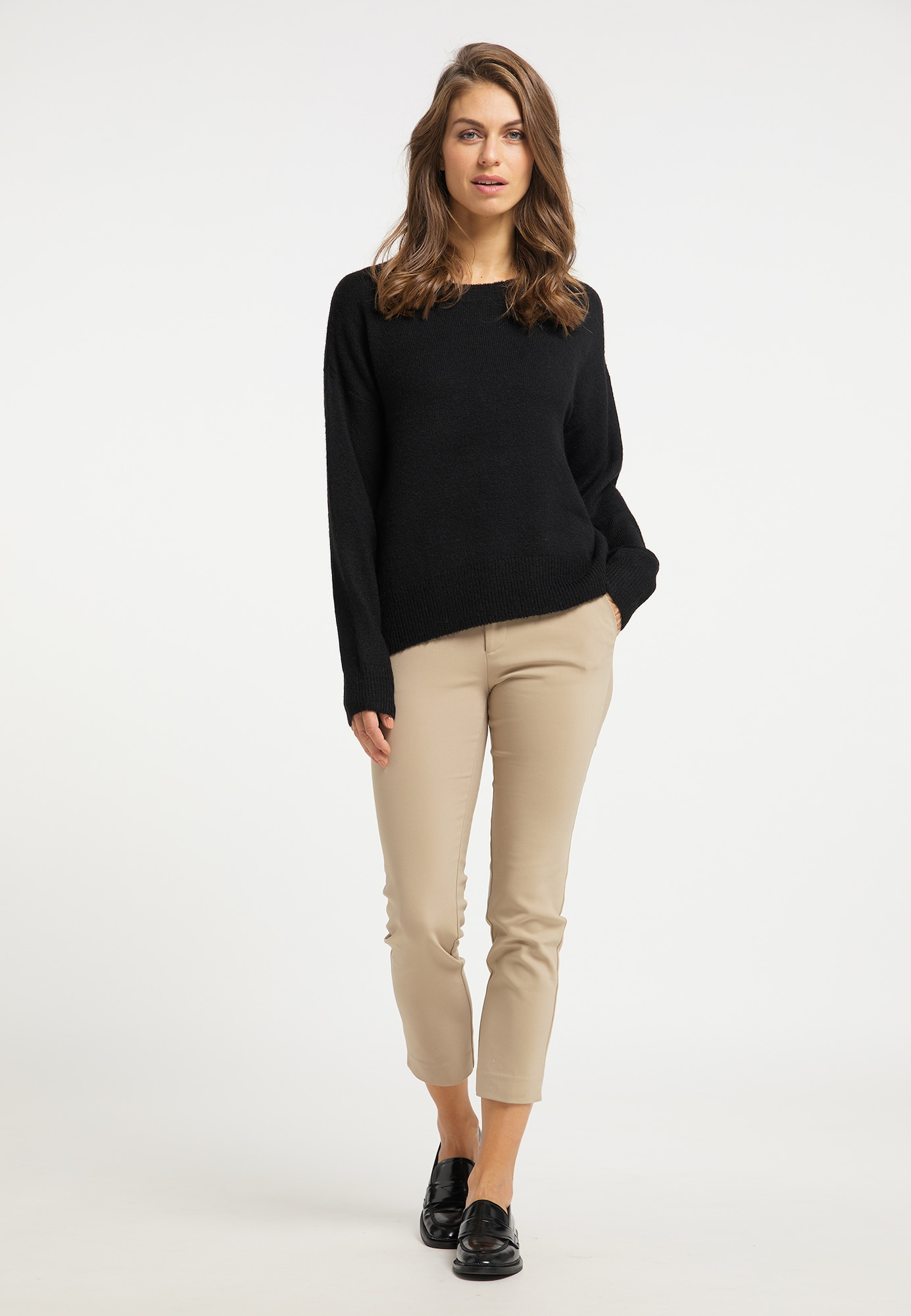 Usha Oversize sveter  čierna.