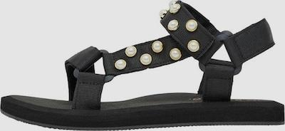Sandały z rzemykami