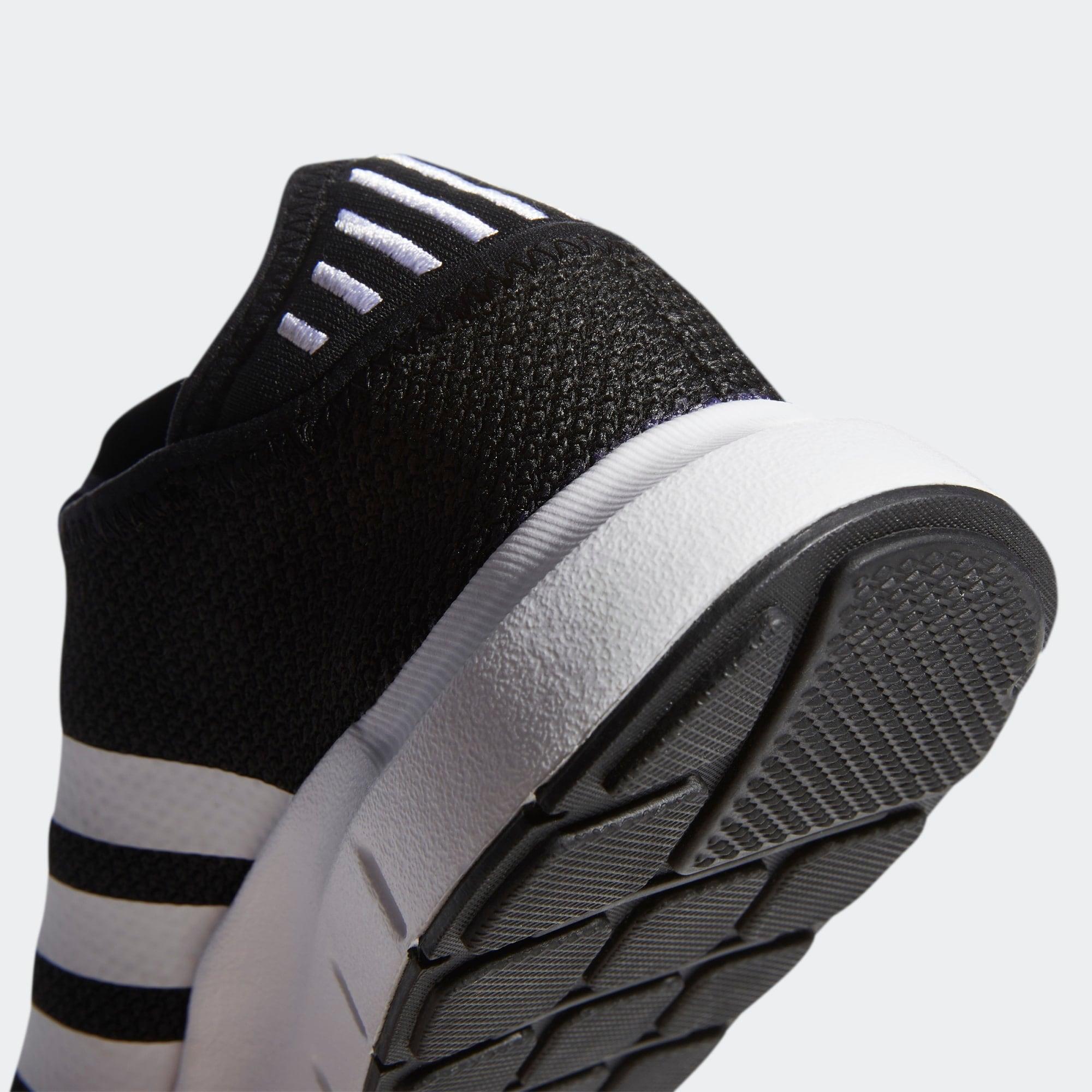 ADIDAS ORIGINALS Nízke tenisky 'Swift Run X'  čierna / biela.