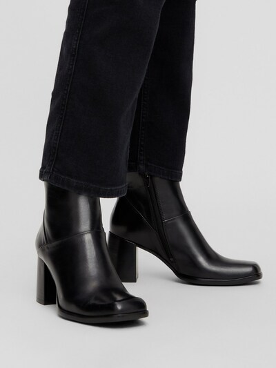 Bianco Day Ankle Boot