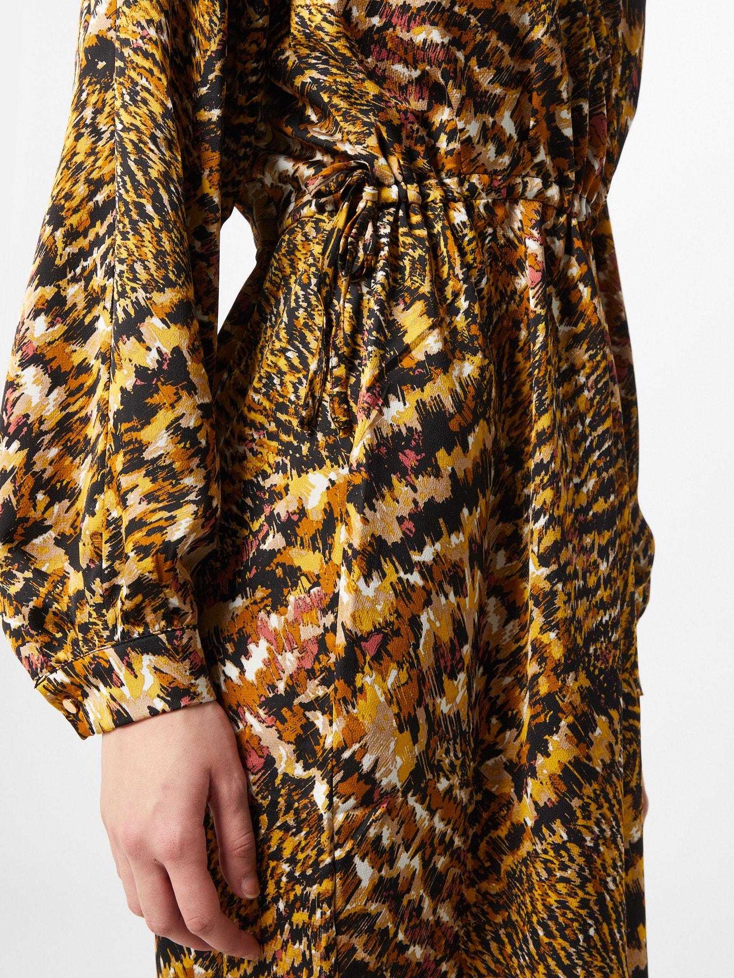Moves Šaty  čierna / zlatá žltá / biela / ružová.
