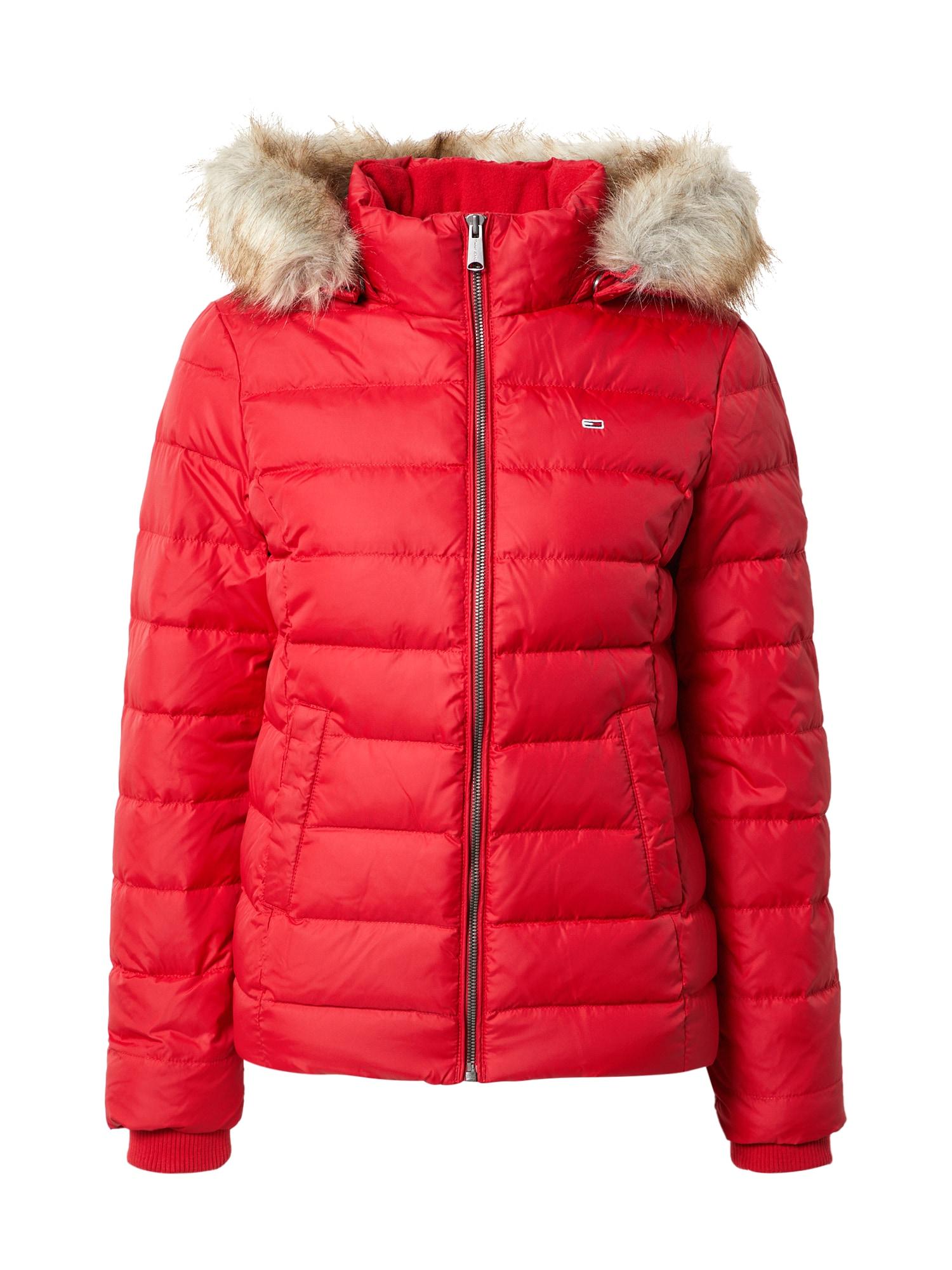 Tommy Jeans Žieminė striukė rubinų raudona